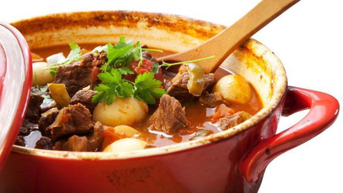 Thịt bò hầm khoai tây - món ăn dinh dưỡng cực tốt cho bà bầu